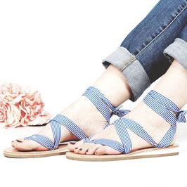 Sandale zum Binden Blau-Weiss