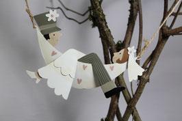 Brautpaar in Hängematte