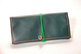 Tabaktasche aus Leder und Kunstleder - recycelt - dunkelgrün/neongrün