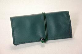 Tabaktasche aus Leder -recycelt- dunkelgrün/gemustert grün