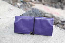 Tabaktasche aus Leder und Kunstleder - lila/lavendel - Glasperlen