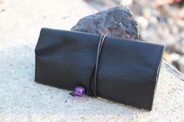 Tabaktasche aus Leder - recycelt - schwarz/lila