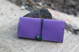 Tabaktasche aus Kunstleder und Leder - lavendel/grün