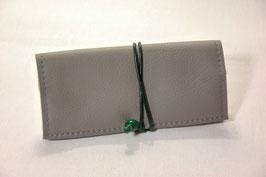 Tabaktasche aus Leder - grau/dunkelgrün