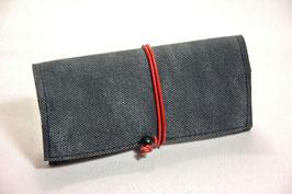 Tabaktasche aus Leder - grau Denim/rot
