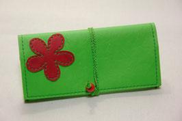 Tabaktasche aus Kunstleder mit Blüte - neongrün/rot