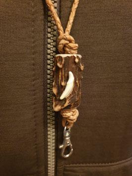 Pfeifenband mit Marderhaken