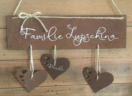 Familienschild mit Herzen