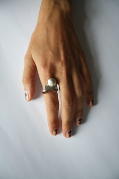 Embo Ring
