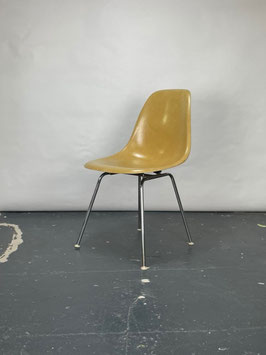Herman Miller Eames Fiberglass Sidechair in Ochre Light