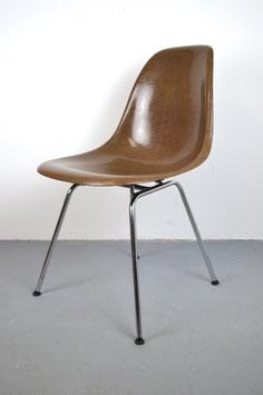 Eames Fiberglass Sidechair in Tan Dark
