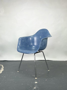 Herman Miller Eames Fiberglass Armchair in Ultramarine Blue