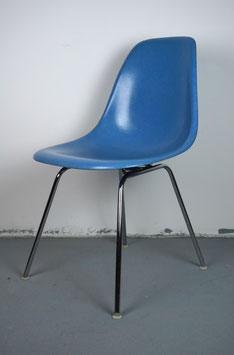 Eames Fiberglass Sidechair Cobalt Blue