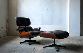 Eames Lounge Chair in Palisander Vitra