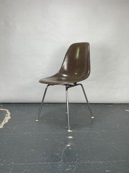 Herman Miller Eames Fiberglass Sidechair in Seal Brown