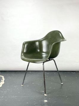 Herman Miller Eames Fiberglass Armchair in Olive Green Dark