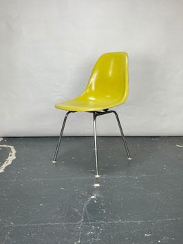 Herman Miller Eames Fiberglass Sidechair in Brilliant Yellow