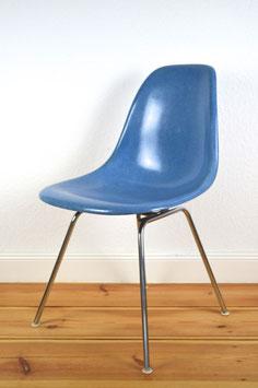 Eames Fiberglass Sidechair Cadmium Blue