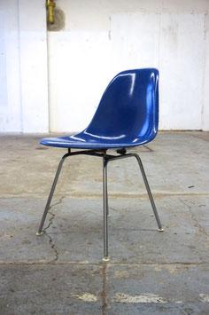 Eames Fiberglass Sidechair Ultramarine Blue
