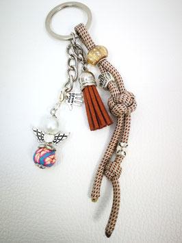 Schlüsselanhänger aus Paracord braun