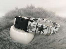 Design-Beispiel: Halsband mit Acetal-Klickverschluss