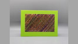 hellgrüne Karte mit oliv und violett