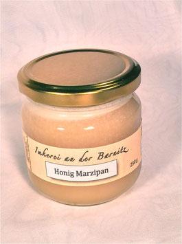 Honig mit Marzipan