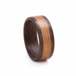 Holzring - Nuss mit breitem Kirsch-Inlay