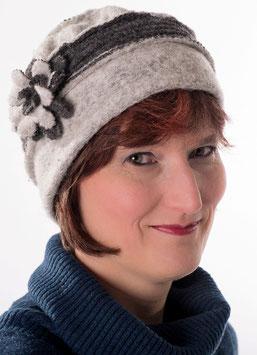 Damenmütze in Hellgrau / Anthrazit hats-trends ( 1 )