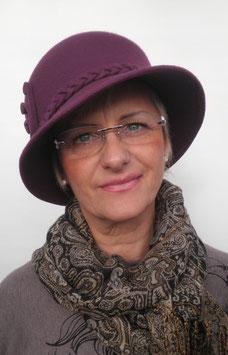 Damenhut in Aubergine elegant Damenhüte Damenmützen Anlasshüte Damenmützen (22)
