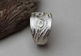 Silberring mit Baumrindenstruktur breit