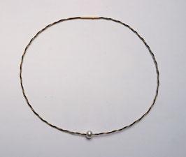 Halsreif aus Pferdehaar geflochten mit vegoldetem Stahlseil