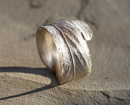 breiter Silberring Akazienblatt