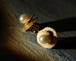 Silberohrstecker klein vergoldet mit Perlen