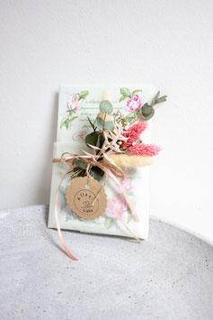 Duftsachet mit Trockenblumen