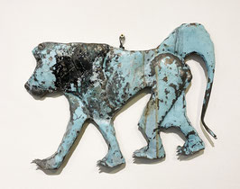 Babbuino azzurro in metallo recuperato