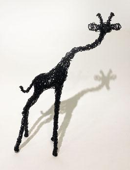 Giraffa nera in filo metallico