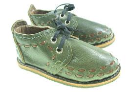 Schuhe handgefertigt aus Leder mit Gummisohle.... Dekoration