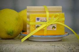 Saponetta al limone gr.125 (confezione con base in legno)