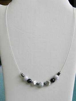 Silberdrahtkette mit Magnesit und Schungit