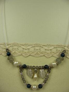 Kette mit Perlen und Labradorit