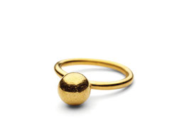 PERNILLE CORYDON - Big Pearl Ring Silver OR Gold