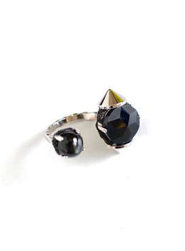 FIFS Studs Onyx RING daiopside
