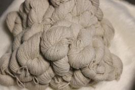 Tolle Wolle von unsere Grazilah in natur weiß 100g