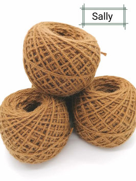 Tolle Wolle von unserer Sally in dark fawn 100 g ( Farbe kann durch Foto etwas abweichen)
