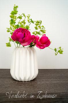 """Weiße Vase von Hübsch Interior """"Little Groove"""""""