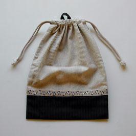 シリーズ15のお着替え袋(パンダチロリアン)