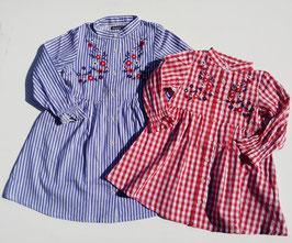 スタンドカラー胸元お花刺繍の前開きワンピース/moujonjon