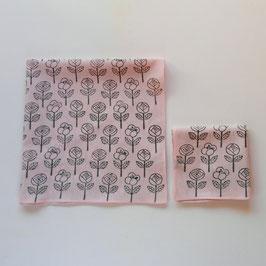 ブロックプリントのハンカチ(ピンク地の花柄 )
