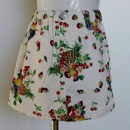 フルーツ総柄のスカート